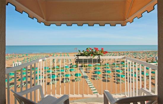 Hotel Janeiro: Vista dal terrazzo delle camere fronte mare