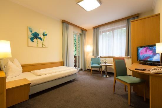 OptimaMed Gesundheitsresort Weissbriach: Einzelzimmer