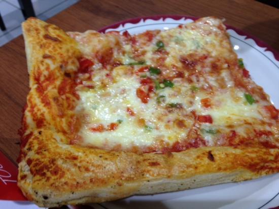 Da Grazia Ristorante: Pizza... the crust... oh .. the crust!