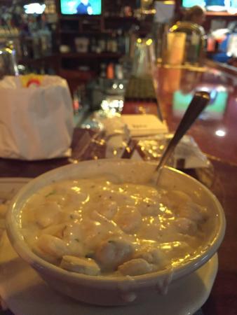 Captain Parker's Pub: Best clam chow-dah on the cape!