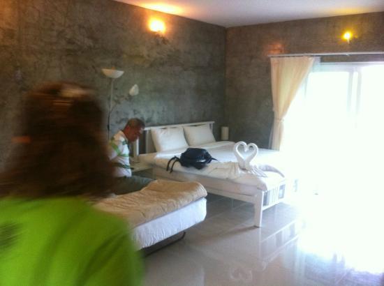 On The Rock Chaiyaphum Bed & Breakfast: ห้องนอน