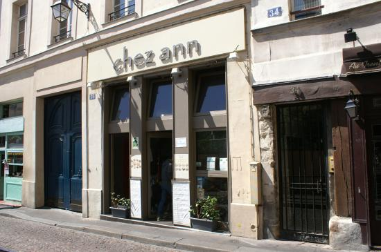 façade du restaurant tue Mouffetard - Picture of Chez Ann, Paris ...