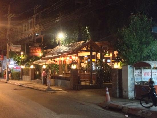 @ The Teak: Not impressed, staff were  rude, hard to get anyone to serve a drink. Food was very average albe