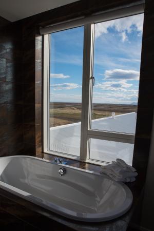 Fosshotel Vatnajokull: Suite bath
