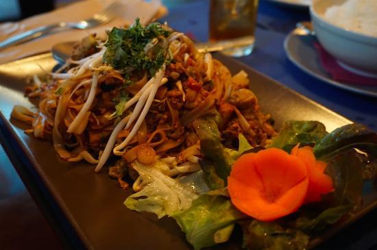 Taifa: vegetarian pad thai