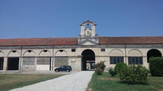 Villa Porto: Ala delle stalle