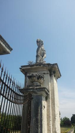 Villa Porto: Capitello d'ingresso