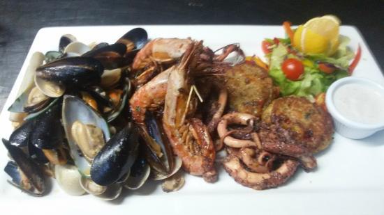 Zonqor Point Restaurant: Seafood Platter