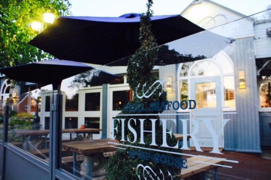 The Fishery Elstree: front outside terrace
