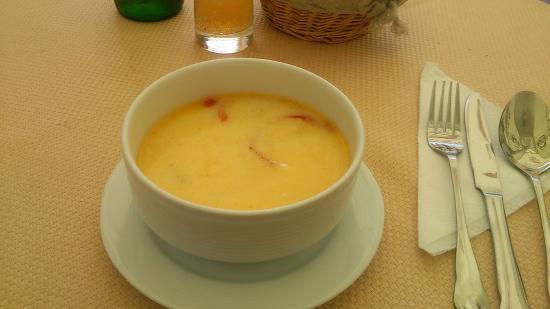 Gustari: 1食目 チョルバデブルタ(牛の胃の贓物スープ)