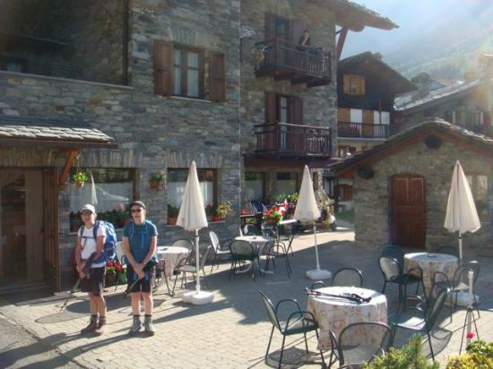 Hotel Chez Lidia: Outside Chez Lidia