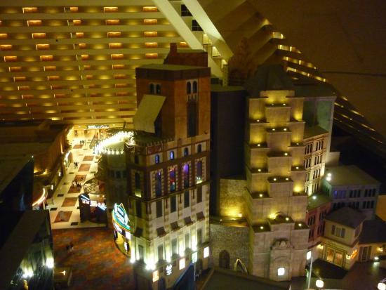 Luxor Hotel & Casino: Inside the pyramid
