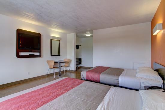 Motel 6 Richfield: Guest Room