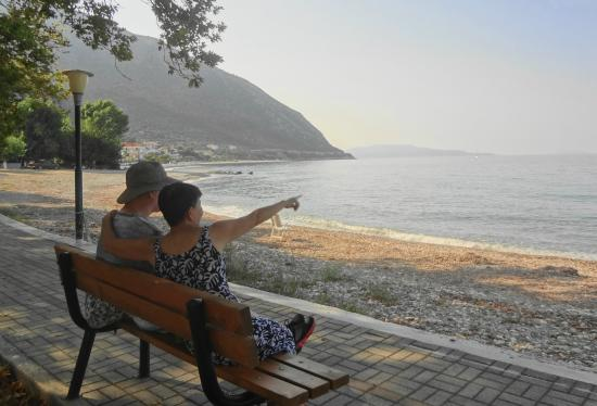 Poros Beach: quiet, beautiful bay view