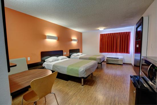 Motel 6 Houston - Hobby TX: Guest Room