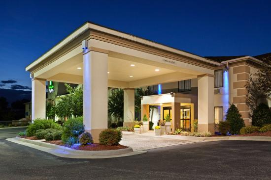 Country Inn & Suites by Carlson, Shelby NC