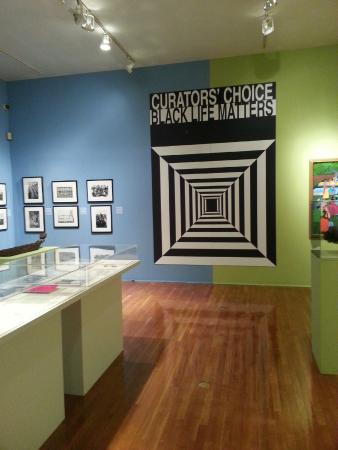 Free Tours by Foot: Schomburg Center for Research in Black Culture