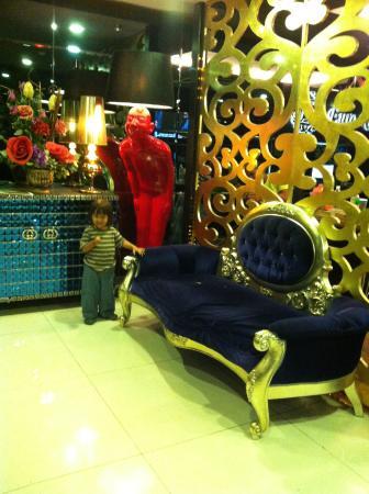 Euro Rich Hotel: Lobby