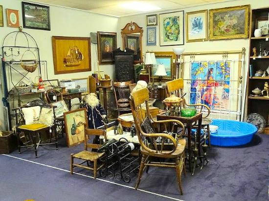 Nc art antiques mall tourist attraction 1590 peters for Affordable furniture winston salem nc