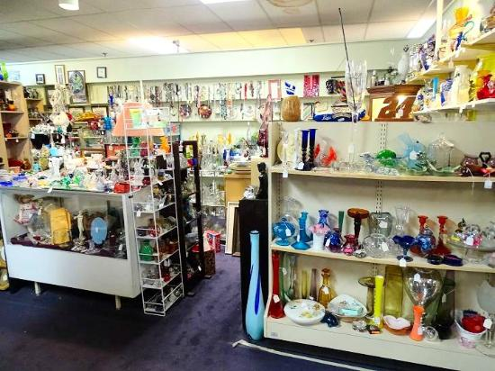Nc Art Antiques Mall Tourist Attraction 1590 Peters Creek Pkwy In Winston Salem Nc Tips