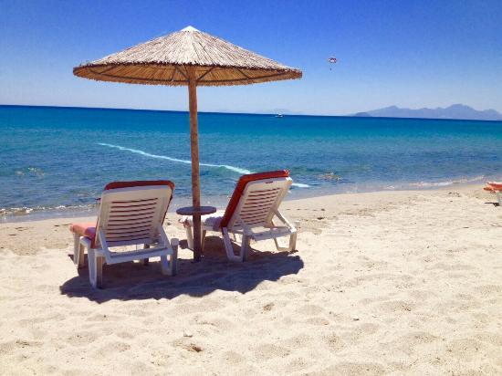 Asteras Resort: Il mare ......stupendo