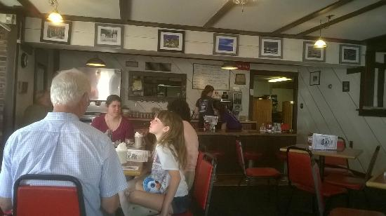 Rick's Restaurant: Spacious Dining Rooms.