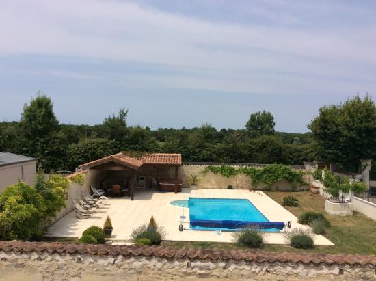 Breville, Frankreich: Pool and Spa area