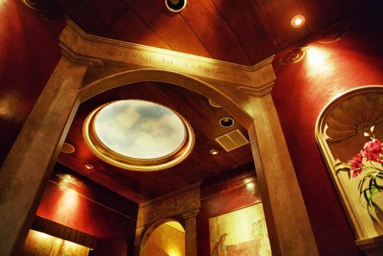 San Clemente, CA: ceiling in vestibule