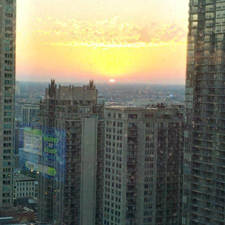 sunset picture of chicago marriott downtown magnificent. Black Bedroom Furniture Sets. Home Design Ideas
