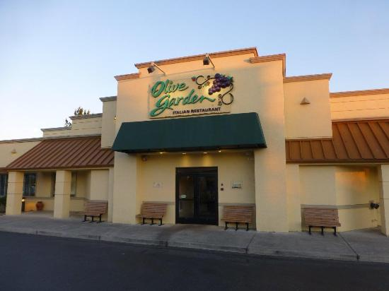 Outside Picture Of Olive Garden Bellingham Tripadvisor