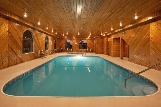 Comfort inn suites updated 2017 prices motel reviews napoleon ohio tripadvisor for Hotel shambala swimming pool price