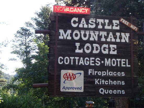 Castle Mountain Lodge : In case you miss the sign, there is a wood covered bridge at the entrance