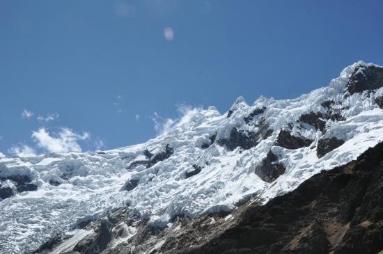 Carhuaz, Peru: Nevados muy cercanos a la punta Olímpica