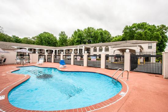 Memorylane Inn & Suites : Tn Pool