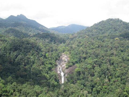 Langkawi District, Malasia: Waterfall in Langkawi