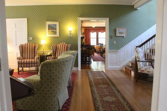 Jessica's at Swift House Inn Restaurant: living room...