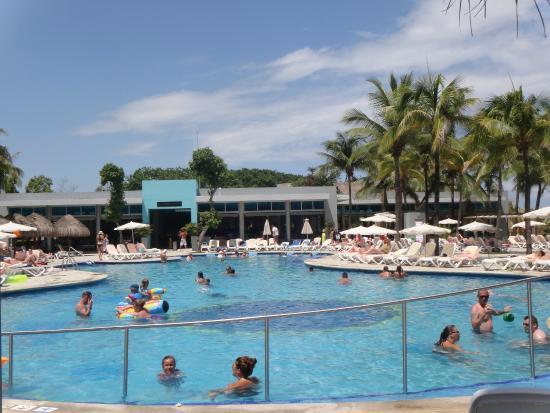 Piscine yucatan photo de clubhotel riu tequila playa for Club piscine montreal locations