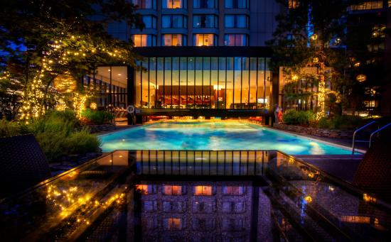 Four Seasons Hotel Vancouver