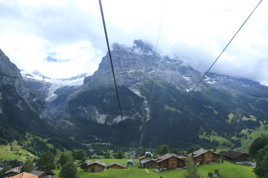 Grindelwald, Suiza: 25分の空中散歩