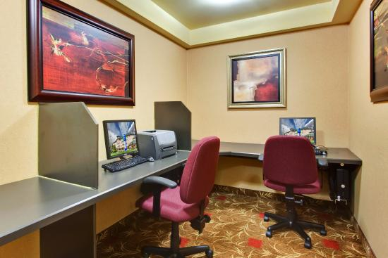 Holiday Inn Express Hotel & Suites Edmonton at the Mall: Stay connected with our comfortable Business Center