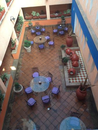 Hotel La Rienda Mision Tequillan : Lobby/comedor.