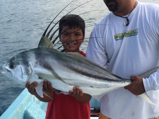 Puerto Escondido Fishing : Rooster fish!