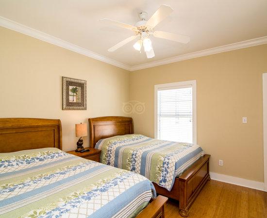 Purple Parrot Village Resort Updated 2017 Apartment Reviews Price Comparison Perdido Key
