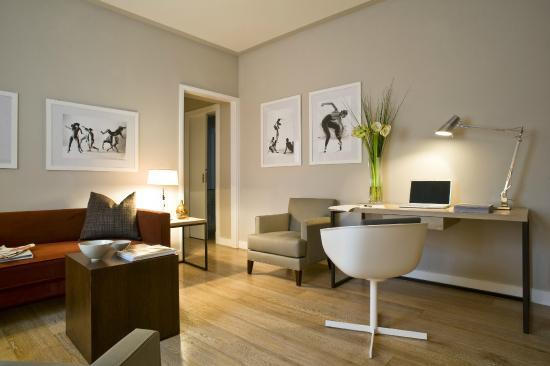 Escalus Luxury Suites Verona: Living Room