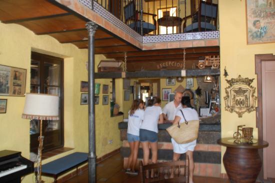 Hotel Rural El Cortijo: Nada que ver lo de fuera con lo de dentro