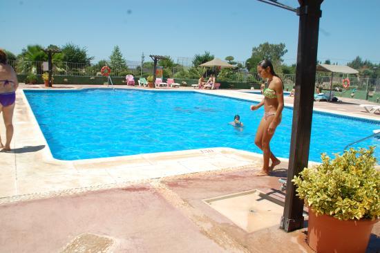 Hotel Rural El Cortijo: Buena piscina