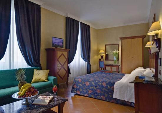Hotel Corona D'Italia : Guest Room