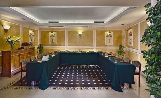 Hotel corona d 39 italia florence italie voir 34 avis et for Hotel chercher