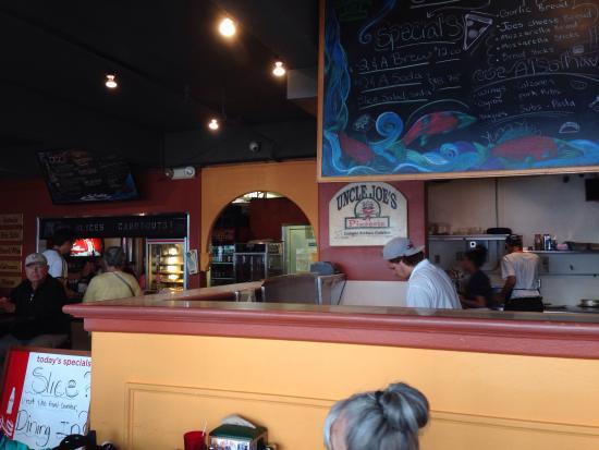 Uncle Joe's Pizzeria: photo2.jpg