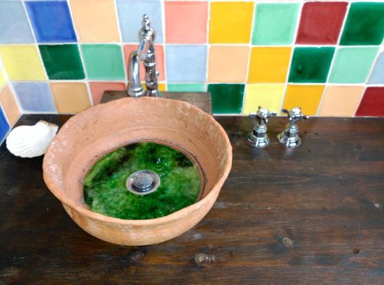 Casona Camino De Hoz: Un detalle del baño
